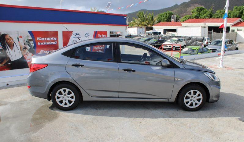 2015 Hyundai Accent full