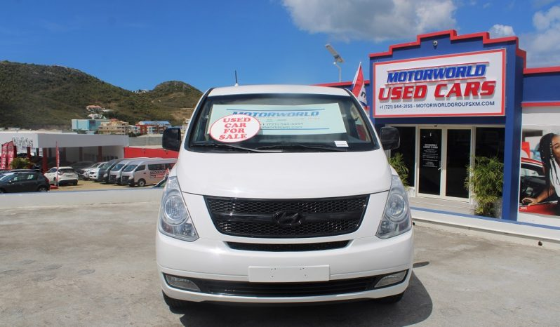 2013 Hyundai H1 Bus full
